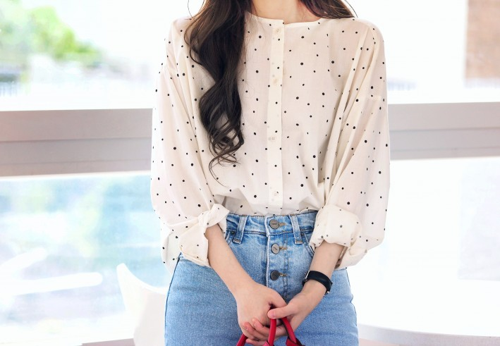 creme dots blouse