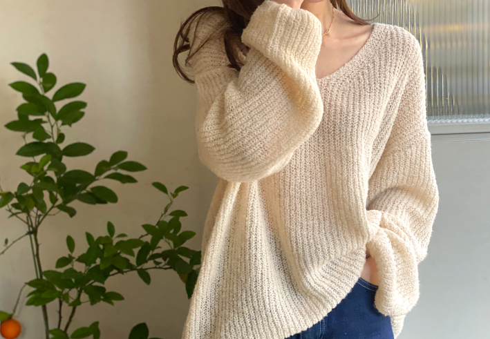 bubble v-neck knit